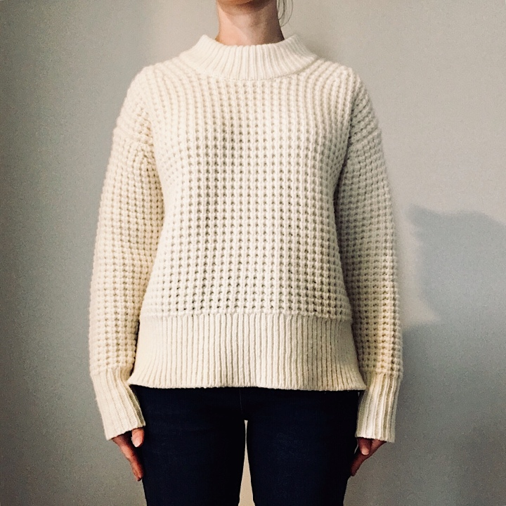 Woman wearing Everlane Wool-Cashmere Waffle Square Crew in cream.