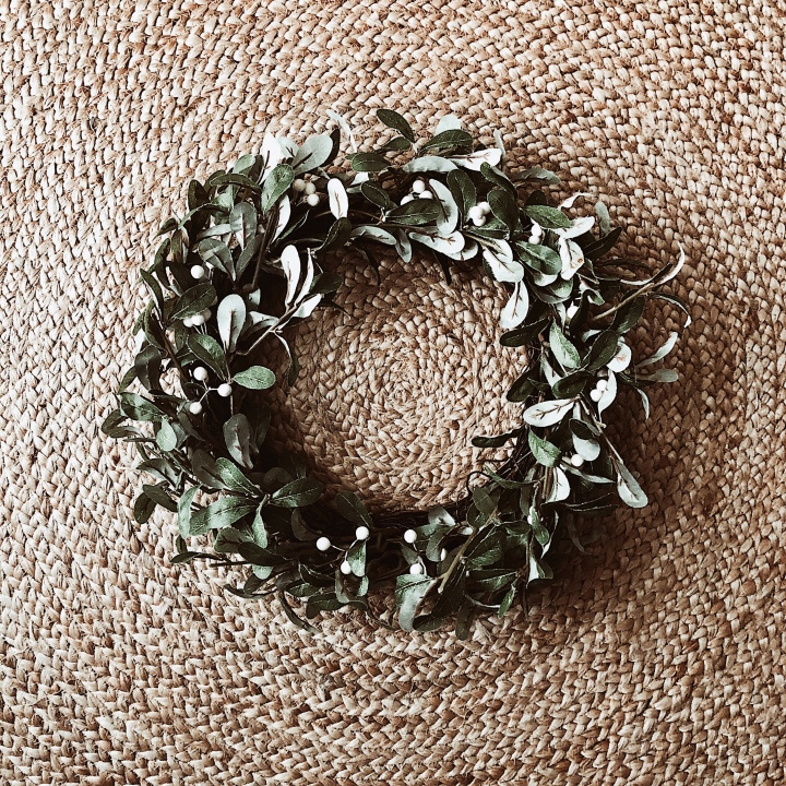 Minimal Christmas wreath.