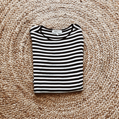 Witchery black and white stripe long sleeve t-shirt.
